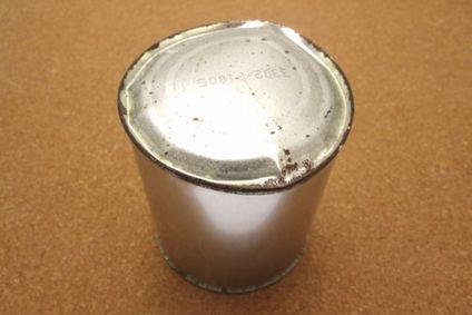 膨張した缶