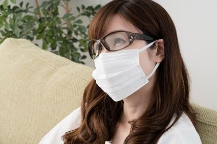 マスクをするとメガネ眼鏡が曇る理由と簡単な裏技での対策や便利な