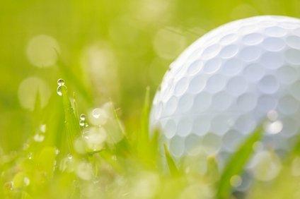 ゴルフはどのくらいの雨までできる